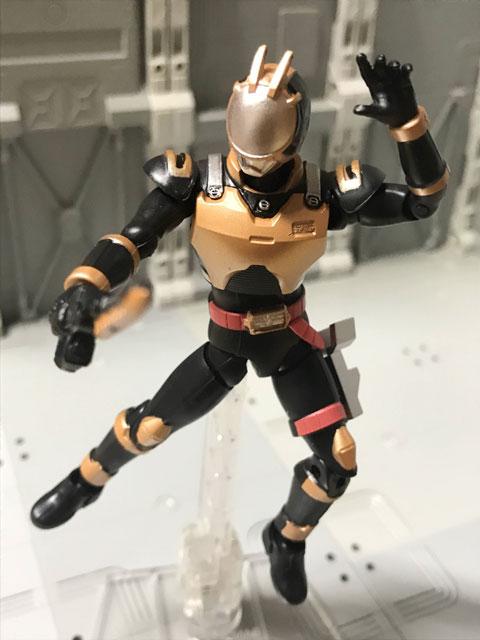 SHODO-O ライオトルーパー 剣を構えるポーズ2