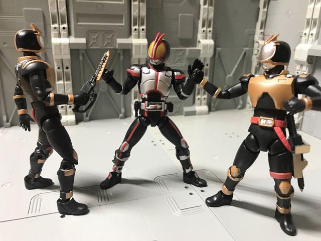 SHODO-O ライオトルーパー ファイズと対決2