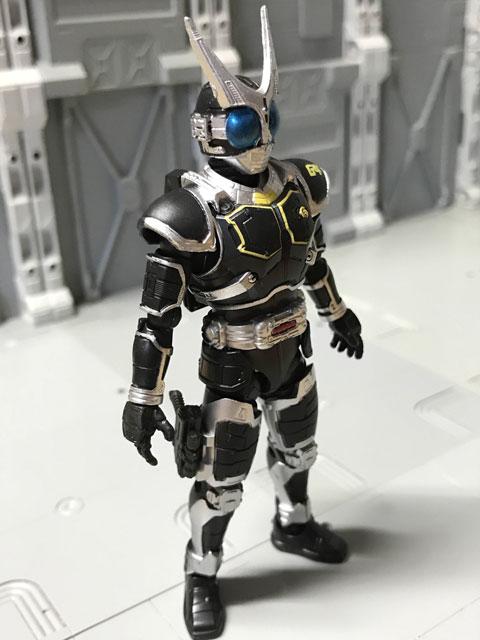 SHODO-O 仮面ライダーG4の正面(少し斜め向き)