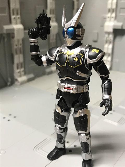 SHODO-O 仮面ライダーG4 銃を構えたポーズ1