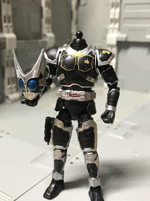 SHODO-O 仮面ライダーG4 ヘルメットを外して手に持ったポーズ