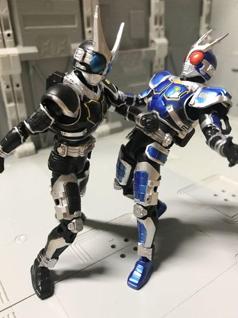 SHODO-O 仮面ライダーG4 G3を殴るG4